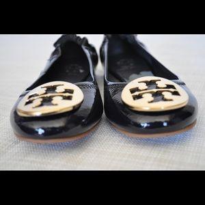 a98d008b288 Tory Burch Shoes - Tory Burch flats reba size 4.5